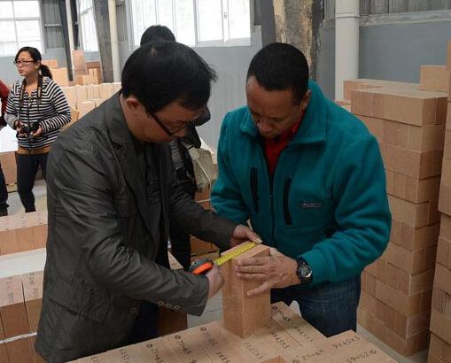 内瑞拉ZS-65的氧化锆砖的客户工厂进行精